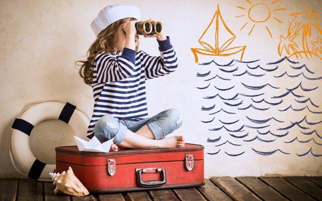 чемодан и ребенок