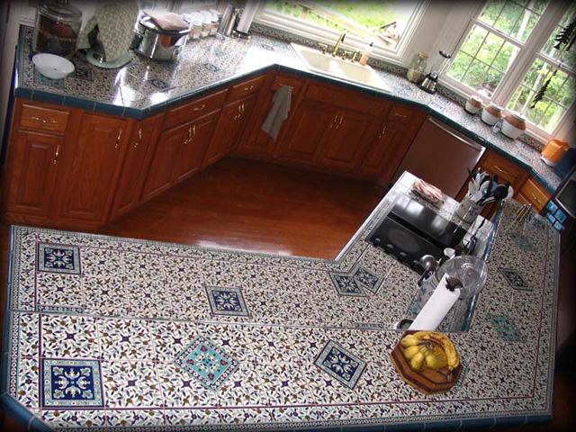 Оформление кухни при помощи плитки-2