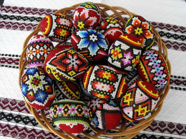 Яйца из бисера - монастырские