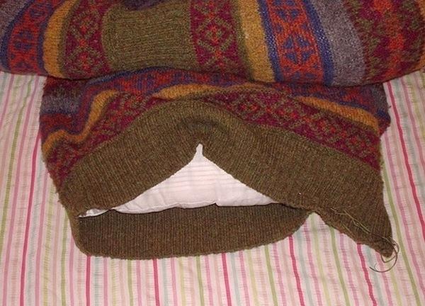 лежанка из свитера-6