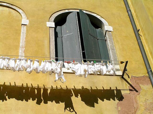 чистое белое белье