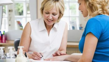 Маникюр на дому как бизнес: этапы открытия и нюансы деятельности